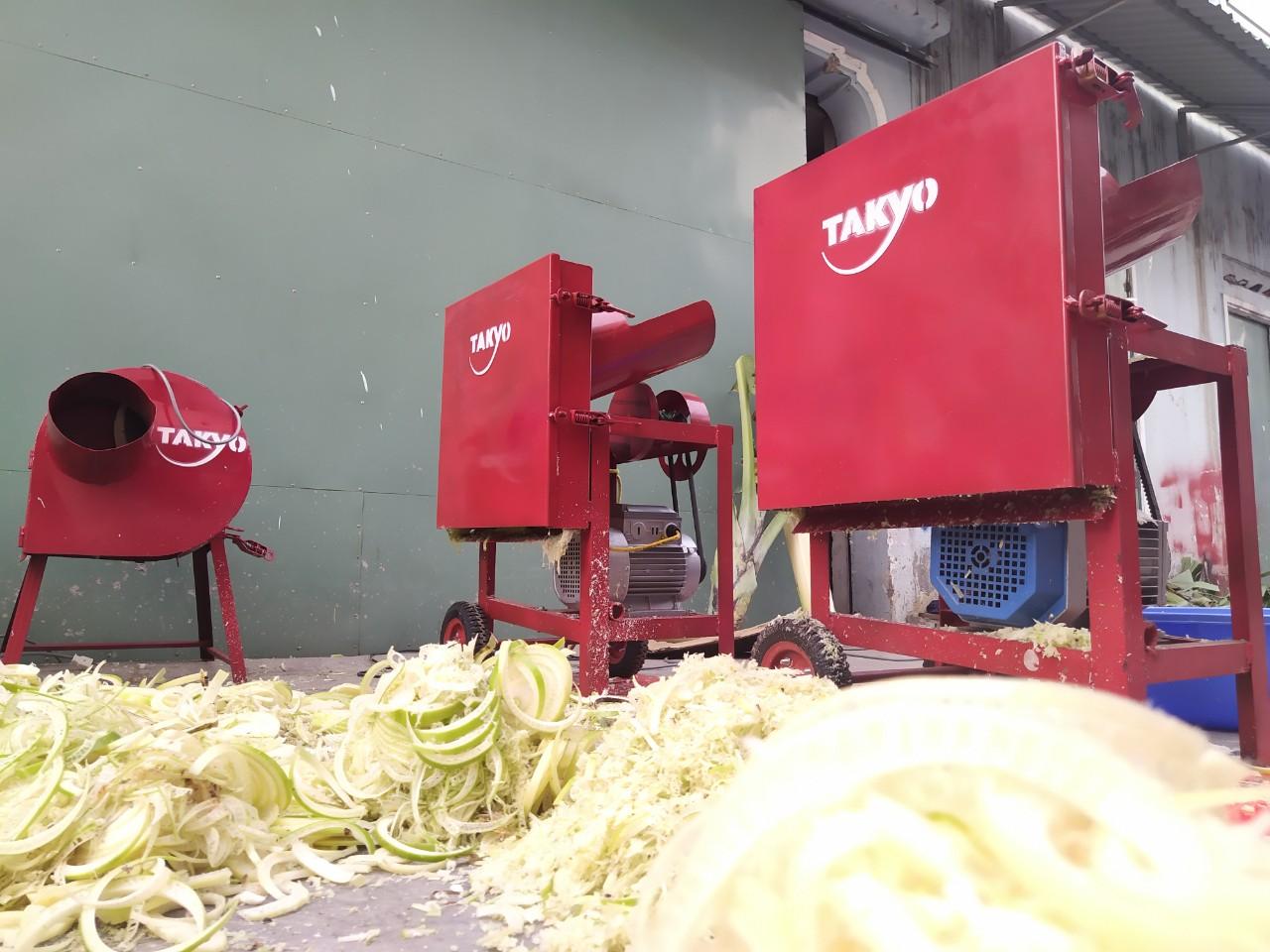 Hình ảnh máy băm chuối, băm cỏ voi nuôi bò